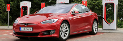 Direct Line to offer discounts to Tesla drivers